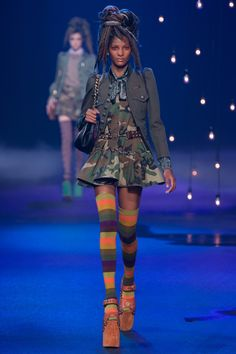 #MarcJacobs  #fashion #Koshchenets   Marc Jacobs Spring 2017 Ready-to-Wear Collection Photos - Vogue