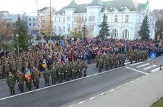 ZIUA NAŢIONALĂ A ROMÂNIEI SĂRBĂTORITĂ ÎN GARNIZOANA VÂLCEA • Cu prilejul sărbătoririi Zilei Naţionale a României, la Monumentul Independenţei din Vâlcea a avut loc o ceremonie militară şi religioasă în cadrul căreia au fost depuse coroane şi jerbe de flori. Evenimentul s-a încheiat cu defilarea gărzii de onoare. Competition, Street View, Military, Exercise, Image, Journals, Pictures, Ejercicio, Excercise