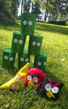 Ryhdymme valmistamaan käsitöissä Angry Birds -pelejä. Peliä varten jokainen oppilas tarvitsisi 5 tyhjää säilykepurkkia. Löytyisiköhän niitä kotoa?