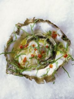 A really simple oyster recipe from Jamie Oliver, just oysters, ginger, rice vinegar and some red chilli for that extra kick! Seafood Dishes, Fish And Seafood, Seafood Recipes, Cooking Recipes, Shellfish Recipes, Tapas, Gluten Free Chilli, Peasant Food, Oyster Recipes