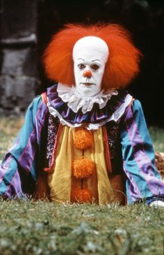 Tim Curry as Pennywise Clown Pennywise, Tim Curry Pennywise, Pennywise The Dancing Clown, Scary Movie Characters, Scary Movies, Horror Movies, Penny Wise Clown, Le Clown, Creepy Clown