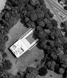 Aerial View Villa Roche by Le Corbusier Paris, France Le Corbusier, Amazing Architecture, Modern Architecture, Luigi Snozzi, Villa Savoye, Pierre Jeanneret, Oise, Interesting Buildings, Modern Masters