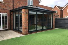 Glass Roof Extension, House Extension Design, Rear Extension, Extension Ideas, Modern Conservatory, Conservatory Roof, Garden Room Extensions, House Extensions, Kitchen Extensions
