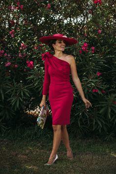http://stylelovely.com/confesionesdeunaboda/2016/10/24/look-invitada-fresa-nuevo-color/