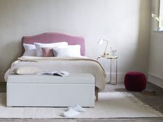 Our Luna bed is free from piping, buttons and studs. Just a lovely simple curve. This gorgeous bed is handmade in Britain and available in over 60 fabrics. Brown Bed Linen, Neutral Bed Linen, Best Bedding Sets, Luxury Bedding Sets, Comforter Sets, Velvet Duvet, Matching Bedding And Curtains, Bed Linen Online, Bed Duvet Covers