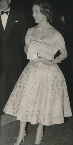 Royals - British Royals Princess Margaret in Dar es Salaam, Tanzania, October 1956 Duchess Of York, Duke And Duchess, Duchess Of Cambridge, Royal Princess, Princess Diana, Windsor, Margaret Rose, Party Queen, Sarah Ferguson