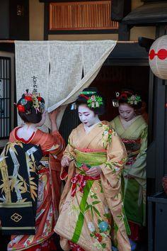 Kotohajime in Kamishichiken