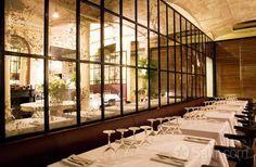 En Ville Barcelona C/ Doctor Dou, 14 08001 Barcelona 933028467 Villa, Barcelona Restaurants, Barcelona Spain, Cosmopolitan, Places To Eat, Celiac, Concierge, Commercial Design, Restaurant Interiors