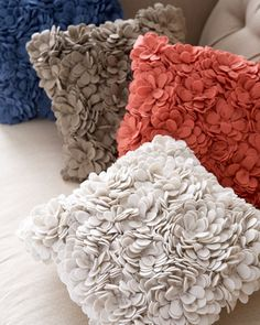 SFERRA Delancey Felt Petal Pillow, Place these pillows on the settee. I'll take the first piece and the third piece starting from the front. Diy Pillows, Decorative Pillows, Throw Pillows, Cream Pillows, Floor Pillows, Linen Bedding, Bed Linens, Bedding Sets, Bedroom Colors