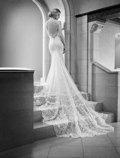 Martina Liana Wedding Dress with amazing Train//