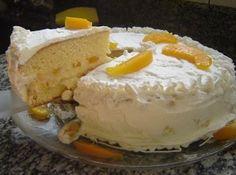 Receita de Bolo de Pessego - bolo, divida ele em 3 partes. Empregue o recheio e cubra com chantilly ou marshmellow. Decore com fatias de...