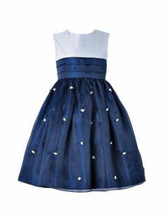 Modelos y Patrones | chispis.com Girls Party Dress, Little Dresses, Little Girl Dresses, Baby Dress, Cute Dresses, Girls Dresses, Flower Girl Dresses, Little Girl Fashion, Kids Fashion
