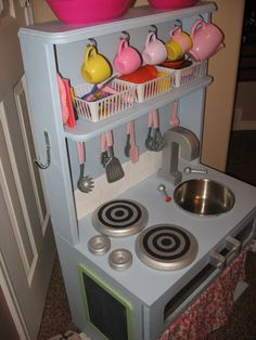 Another Great DIY Kitchen Set Made From Repurposed Old Furniture