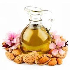 DIY-Kosmetik-Rezept für selbstgemachtes Mandelblüten-Massageöl -  wirkt glättend, regenerierend, schützend und beruhigend ...