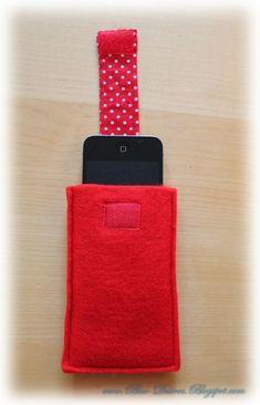 Eine Handytasche mit Lift?Der Lift ist ein Band an dem man ziehen kann um das Handy leichter aus seiner Hülle zu bekommen, weil es dadur...