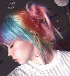 Indie Scene Hair Grunge Hair Colors - Indie scene hair grunge – indie-szene hair grunge – scène indie cheveux g - Hair Dye Colors, Hair Color Blue, Cool Hair Color, Gray Hair, White Hair, Purple Hair, Bright Colored Hair, Colored Girls, Hairstyles With Bangs