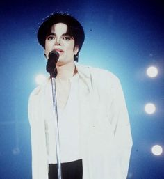That's a gorgeous pic Michael Jackson Born, Jackson 5, My King, Mj, The Incredibles, History, Apple Head, Artist, Bullets