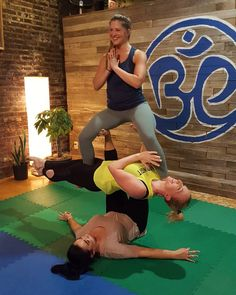 5 Super Effective Yoga Poses To Perform Every Day 3 People Yoga Poses, Couples Yoga Poses, Acro Yoga Poses, 3 Person Yoga Poses, Physical Fitness, Yoga Fitness, Begginers Yoga, Different Types Of Yoga, Health And Fitness Articles
