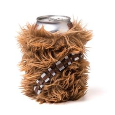 Das perfekte Gadget für Fans von Chewbacca und die heutige Vorstellung! Zu haben bei ThinkGeek für schlappe $10.39 Carry your drink around in Chewie's can cooler. Or, rather, a little can cooler that los like Chewie. Nobody will dare try to take your drink, because they know they'll be faced with a mighty roar if [ ]