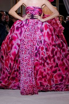 <3<3 beautiful printed ball gown #dress