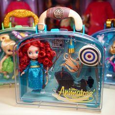В НАЛИЧИИ💚 Новинка от ✨Disney Store✨ Очаровательная 💚МЕРИДА 🏹🎯 Из коллекции 🌸Disney Animators Collection mini🌸 💚Размер куколки 13 см 💚Аксессуары для игры в комплекте 💚Все упаковано в удобный чемоданчик с Ручкой #дисней#диснейстор#мерида#храброесердце#brave#disney#disneystore_toy#