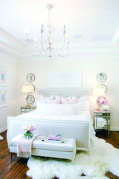 Trendy All White Bedroom Apartment 37 Ideas All White Bedroom, White Bedroom Design, Pink Bedroom Decor, Modern Bedroom Furniture, White Furniture, Bedroom Ideas, Dream Bedroom, Budget Bedroom, Furniture Ideas