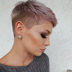 Cute Short Pixie Haircut Pixie haircuts always appear to be in style, and there are many cute pixie styles to look over. Here are the best 20 pics of cute pixie haircuts! Super Short Hair, Short Grey Hair, Short Blonde, Chic Short Hair, Black Hair, Pixie Styles, Curly Hair Styles, Cute Pixie Haircuts, Short Hair Undercut