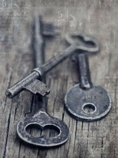 'once upon a time there was a lock' by Priska  Wettstein on artflakes.com