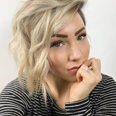 I can't get over my hair color! Pixie Hairstyles, Trendy Hairstyles, Chloe Brown, Brown Shorts, New Haircuts, Pixie Cut, Hair Today, Hair Goals, Brown Hair