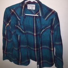 Aeropostale plaid button down shirt Size medium. Fits a little tight around my shoulders, so barely worn. Great condition Aeropostale Tops Button Down Shirts