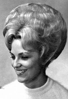 1960 Hairstyles, Classic Hairstyles, Vintage Hairstyles, Gorgeous Hairstyles, Teased Hair, Bouffant Hair, Blond, Ugly Hair, Helmet Hair