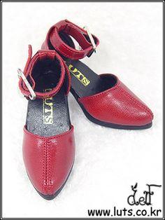 LUTS red heels