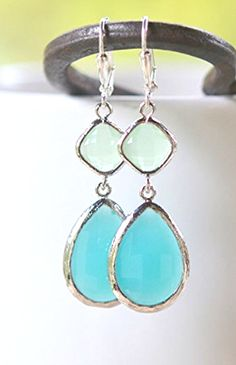 Turquoise and Mint Drop Earrings. Bridesmaids Earrings. Wedding Jewelry.
