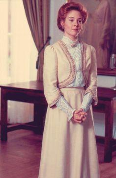 Secret Garden-Narnia-Anne Green Gables-Von Trapp GREEN FLORAL EDWARDIAN DRESS