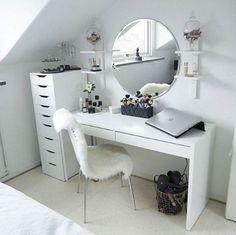 Vanity practical & beautiful: how it works! beautiful vanity vanity table NWUTOSH Source by