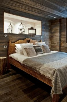 kleines schlafzimmer holz schiebetüren kleiderschrank kleines ...
