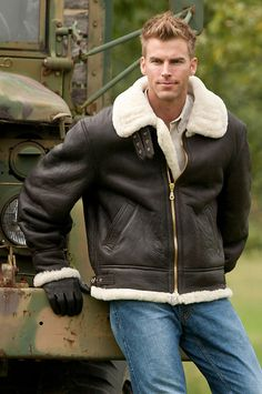 Overland Sheepskin Co.Men's Classic Sheepskin B-3 Bomber Jacket