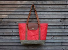 Waxed canvas tote bag / carry all with  leather por treesizeverse, $159.00