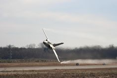 low flying planes | Des Barker recently sent me the following picture: