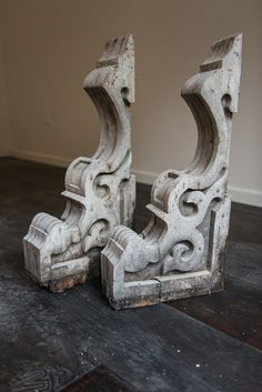 Wooden Corbels, Architectural Antiques, Diy Fireplace, Ceiling Design, Woodworking Projects Plans, Home Decor Bedroom, Decoration, Wood Furniture, Round Top