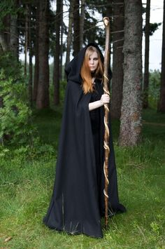 forest priestess ~ I Love her staff...  I want to find one like this for myself.