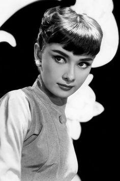 Chaque dimanche, Paris Match retrace en images l'histoire d'une star. Au tour d'Audrey Hepburn.