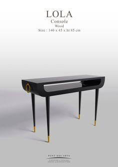 Lola Console - Pont des Arts - Designer Monzer Hammoud - Paris