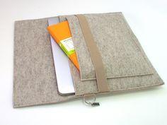 iPad Pro sleeve with flap and front pocket, handmade https://www.etsy.com/jp/listing/255815605/ipad-pro-sleeve-with-flap-and-front