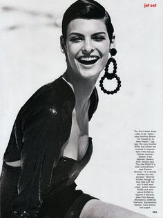 Linda Evangelista in Jet Set for Vogue, September 1989 Shot by Peter Lindbergh Styled by Carlyne Cerf de Dudzeele Linda Evangelista, Peter Lindbergh, High Fashion Photography, Editorial Photography, Lifestyle Photography, Jet Set, 1980s Looks, Paolo Roversi, Vogue Us
