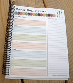 FREE PRINTABLE Weekly Menu Planner with Tear-Away Grocery List (So cute--I will probably print out a few of these and either laminate  them or use binder page inserts so I can write with dry-erase markers and use less paper!)