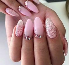 Try some of these designs and give your nails a quick makeover, gallery of unique nail art designs for any season. The best images and creative ideas for your nails. Cute Nails, Pretty Nails, My Nails, Prom Nails, Long Nails, Diy Ongles, Nagel Bling, Sugar Nails, Almond Acrylic Nails