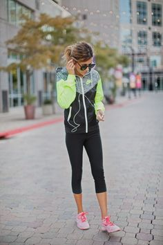 Work Out Wear: Weekend Style. Mmm k... I love her jacket.