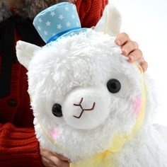 Party time! Everybody's favorite plush alpacas, the Alpacasso family, is ready for fun! You can choose from three beauties, each of whom is wearing different accessories to lighten up the mood: Shiro-chan comes with an awesome, starry blue party hat; Momo-chan with a cute, starry pink bowtie and a crown with a heart-shaped gemstone; and Yuki-chan with a cool, striped Alpacasso medal. These alpacas...