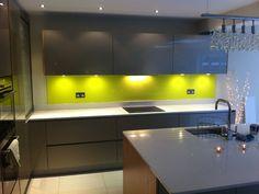 gele glaswand in keuken - Google zoeken